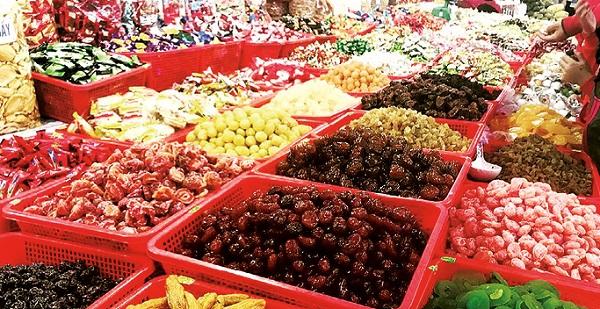 Một gian hàng ở chợ Đông Ba