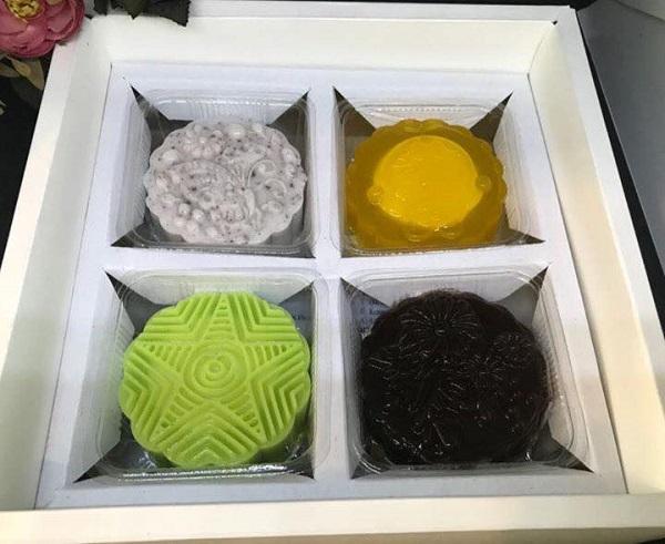 Những chiếc bánh trung thu làm bằng thạch rau câu
