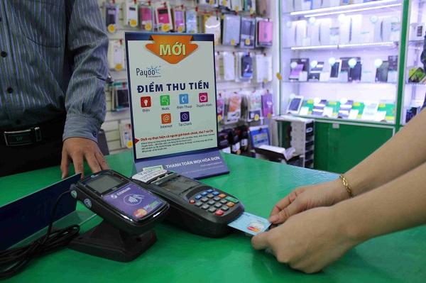 Ngành Điện đang tích cực vận động, tuyên truyền đến các cá nhân, tổ chức nhằm gia tăng tỷ lệ thanh toán tiền điện không dùng tiền mặt
