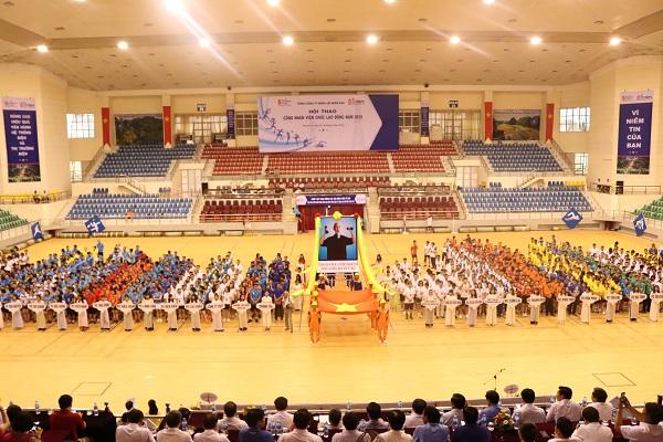 Ông Lê Quang Thái - Phó Tổng Giám đốc EVNNPC, Trưởng Ban tổ chức tuyên bố khai mạc Hội thao