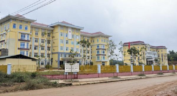 Trụ sở Huyện ủy, HĐND, UBND huyện Yên Sơn.