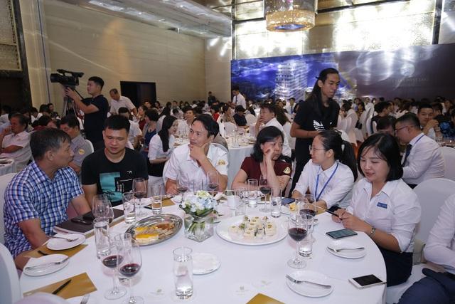 Hàng trăm khách hàng đã có mặt tại sự kiện để tìm hiểu thông tin về dự án