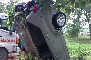 Mượn ô tô của con rể tập lái, tông chết người rồi lao xe xuống mương