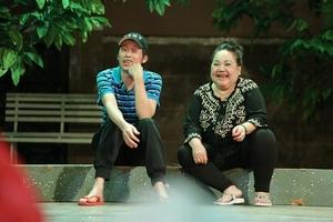 Hoài Linh và nỗ lực diễn kịch Tết phục vụ khán giả