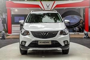 Cận cảnh dàn xe Fadil 5 màu giá 423 triệu đồng của VinFast vừa ra mắt