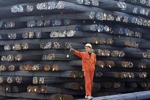 Giá thép xây dựng hôm nay (11/10) quay đầu giảm, giá than cốc tăng mạnh