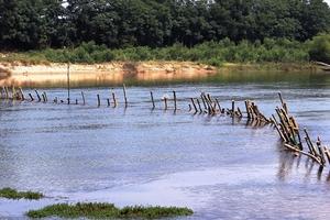 Dân rào kín sông phản đối doanh nghiệp, ngăn chặn 'cát tặc'