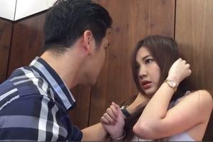 Hậu trường cảnh Thái đánh Trà 'Hoa hồng trên ngực trái' khiến khán giả hả hê