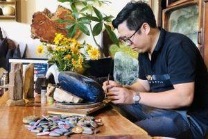 Video: Độc đáo tranh 3D trên đá của thầy giáo tại Gia Lai