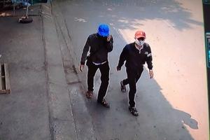 """Vạch mặt 2 gã """"học sinh""""… trộm xe máy"""