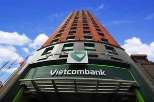 Vietcombank báo lãi kỉ lục gần 17.600 tỉ đồng trong 9 tháng đầu năm