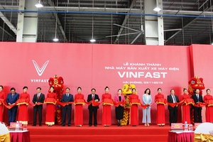 VinFast khánh thành nhà máy, ra mắt hai mẫu xe điện Klara