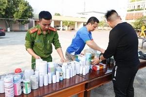 Hà Tĩnh: Học sinh giao nộp hơn 20kg pháo, thuốc pháo trước giao thừa