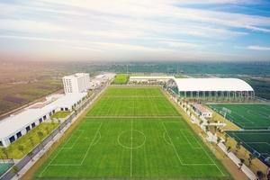 Giám đốc Học viện bóng đá FK Sarajevo bất ngờ vì cơ sở hiện đại của PVF