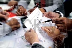 Nhận định thị trường phiên 13/3: Xem xét nắm giữ các cổ phiếu ngân hàng
