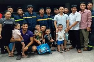 Giải cứu thành công 9 người mắc kẹt trong thang máy