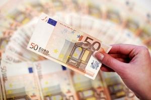 Tỷ giá USD hôm nay (3/10) đi ngang so với yen Nhật, euro chạm đáy 6 tuần