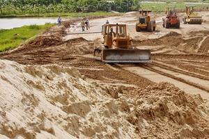 Xây dựng và Thương mại Gia Lâm liên tiếp trúng lớn