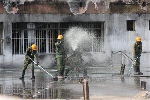 Hoàn thành việc tiêu tẩy hiện trường vụ cháy Công ty Rạng Đông