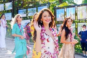 Hoa hậu Tiểu Vy đọ bikini rực lửa với các đối thủ nặng ký ở Miss World