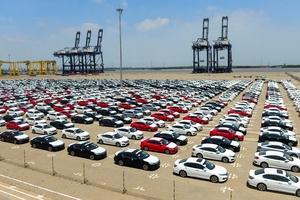 Ô tô nguyên chiếc từ Thái Lan, Indonesia về Việt Nam rẻ bất ngờ chỉ từ 325 triệu đồng