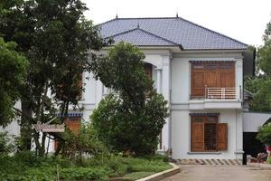 Tin nóng Bất động sản 21/8: Dãy biệt thự mọc trên đất rừng ở Vĩnh Phúc; đình chỉ dự án The Sun Mễ Trì