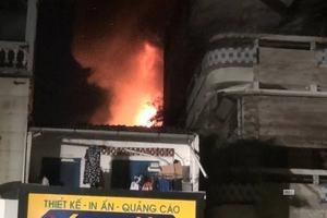 Cháy lớn tại quán bar ở Sài Gòn lúc rạng sáng