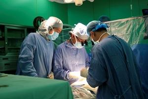 Nội soi cắt khối u nhầy lớn trong tim