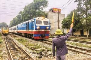Đường sắt có nguy cơ đóng cửa: Giật mình với những khoản lỗ