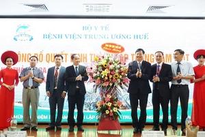 Công bố quyết địnhthành lập Trung tâm Mắt Thừa Thiên Huế