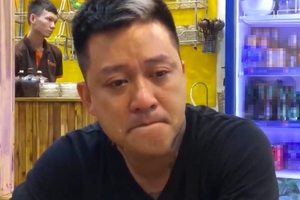Tuấn Hưng bật khóc vì liveshow bị hủy: 'Đây là điều tồi tệ, cay đắng nhất trong 20 năm đi hát'