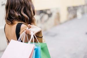 4 dấu hiệu cho thấy bạn đang tiêu tiền lãng phí