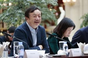Chủ tịch Huawei xuất hiện trước truyền thông sau 3 năm ẩn dật