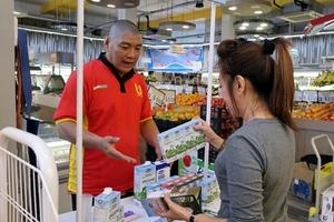 Sữa tươi Organic của Vinamilk dành được cảm tình của người dân Singgapore