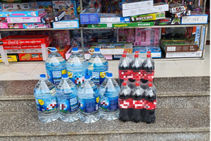 'Cháy hàng' nước đóng bình loại bình 20L, dân Hà Nội phải mua giá gấp 3