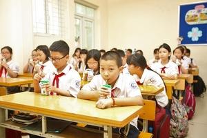 """""""Nạn"""" thiếu vi chất dinh dưỡng và tầm quan trọng của sữa học đường"""
