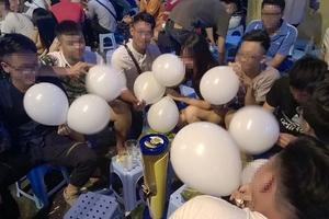 Hà Nội: Chính thức cấm sử dụng bóng cười trong hoạt động giải trí