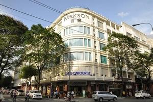 Phải đóng cửa một loạt trung tâm thương mại ở Việt Nam vì chỉ bán thời trang, mĩ phẩm, Parkson quyết định thay đổi