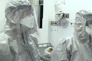 Video: Chuyện chưa kể về những y bác sỹ trong mùa dịch Covid-19