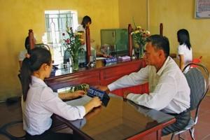 Bảo hiểm tiền gửi tái cơ cấu tài chính vi mô