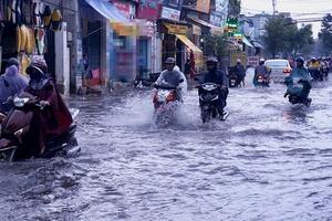 Thời tiết cuối tuần: Ảnh hưởng của không khí lạnh, khu vực Trung Bộ xảy ra mưa lớn cục bộ
