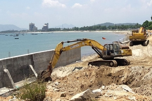 """Mua HSMT tại Ban QLDA các công trình NN&PTNT Đà Nẵng: Chạy vạy khắp nơi nhà thầu vẫn """"trắng tay"""""""