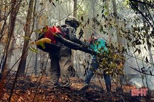 Hà Tĩnh: Đám cháy bùng phát trở lại trong đêm tại khu vực núi Nầm
