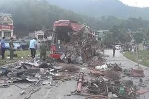 Hòa Bình: Tai nạn kinh hoàng, hơn 40 người thương vong