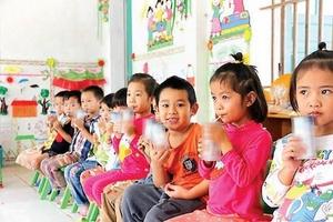 Đề xuất bổ sung sữa dạng lỏng cho chương trình Sữa học đường