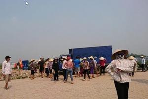 Gần 250 học sinh quận Hà Đông bị ngăn cản đến trường