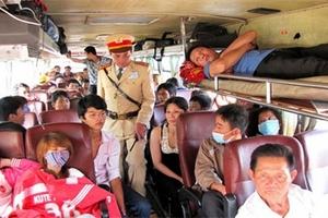 Dịp Tết Canh Tý, hành vi xe khách nhồi nhét sẽ bị phạt thế nào?
