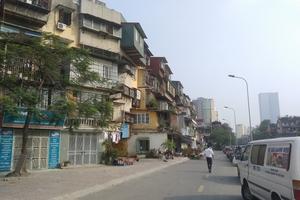 """Hà Nội: Bài toán """"cố thủ"""" của người dân tại các khu chung cư xuống cấp"""