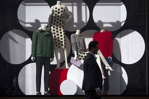 Burberry tiêu hủy 38 triệu USD quần áo trong năm 2018