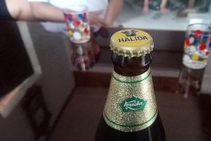 Bia Huda nhưng đóng nắp bia Halida: Carlsberg Việt Nam gửi lời xin lỗi tới khách hàng